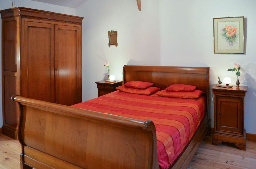Les chambres chambres d 39 h tes bed and breakfast la for Chambre d hote salers