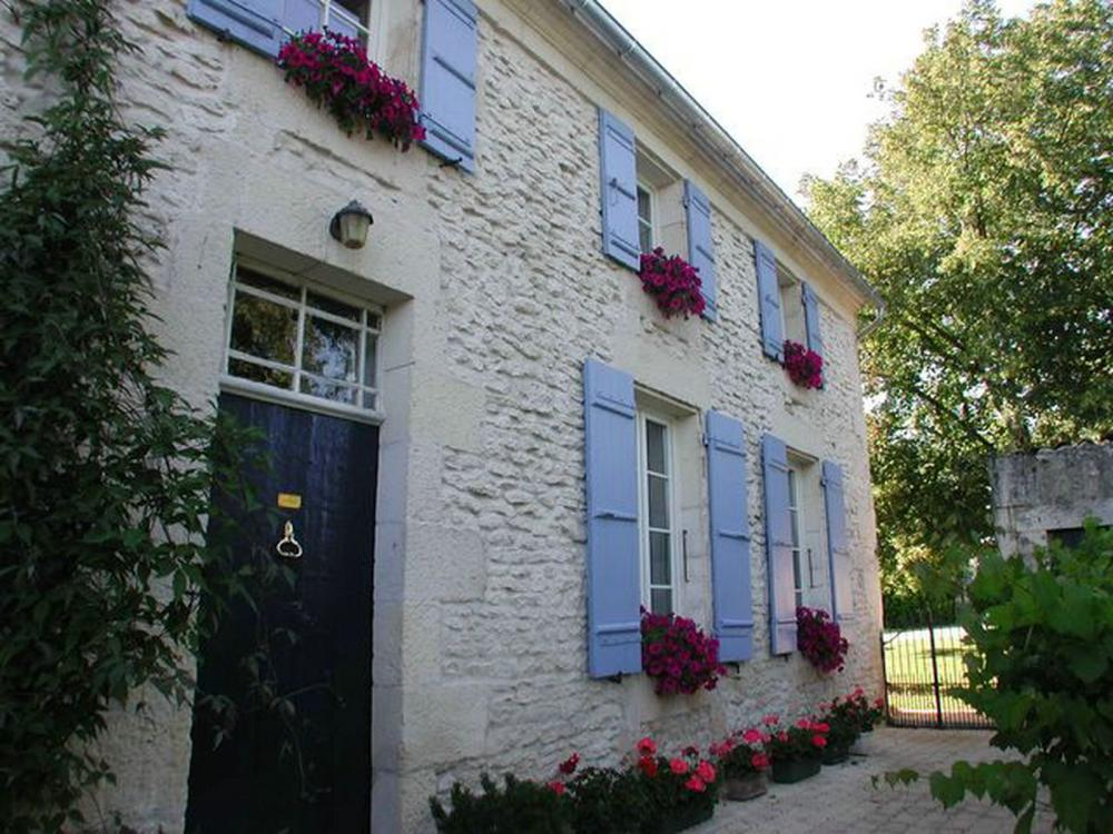 Rochefort chambres d 39 h tes bed and breakfast la maline for Chambre d htes la rochelle